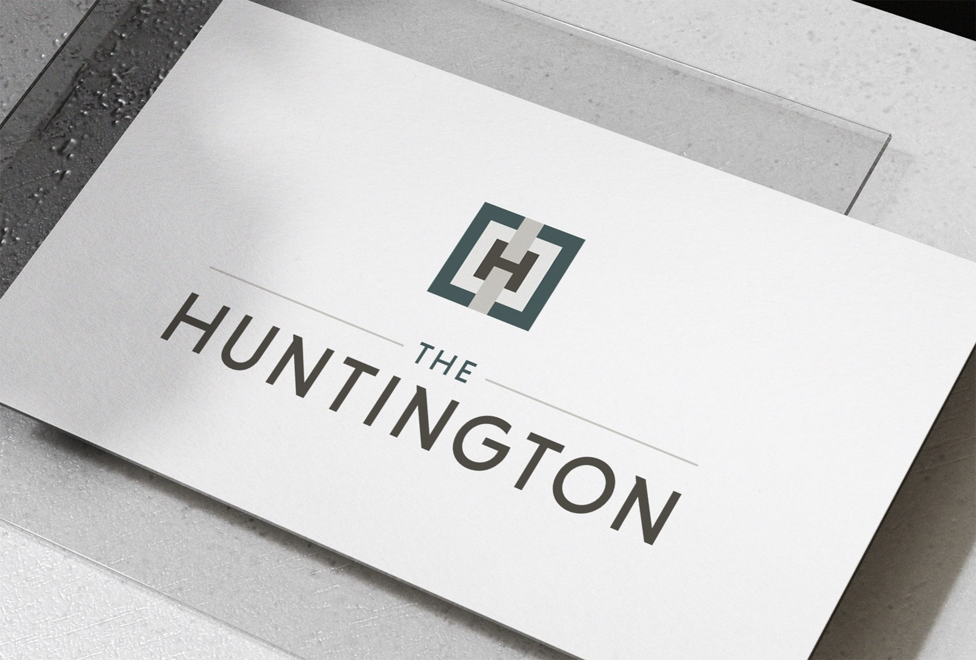 The Huntington color palette and type treatment convey the modern, opulent lifestyle the residential community is centered around.